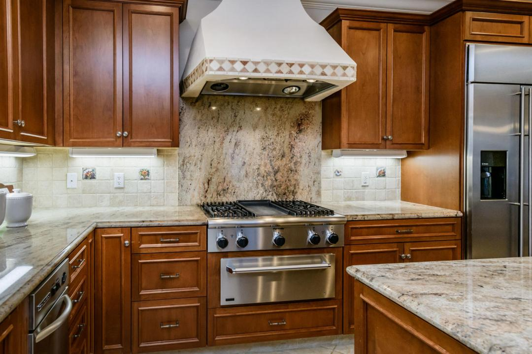 840 Newhall Rd Burlingame CA-large-017-34-Kitchen-1500x1000-72dpi