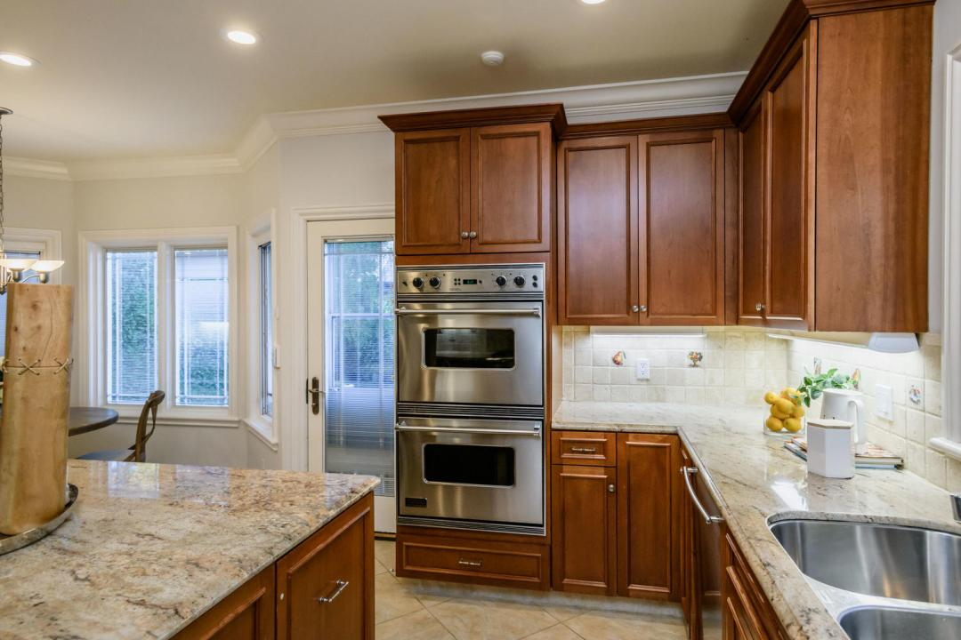 840 Newhall Rd Burlingame CA-large-018-6-Kitchen-1500x1000-72dpi