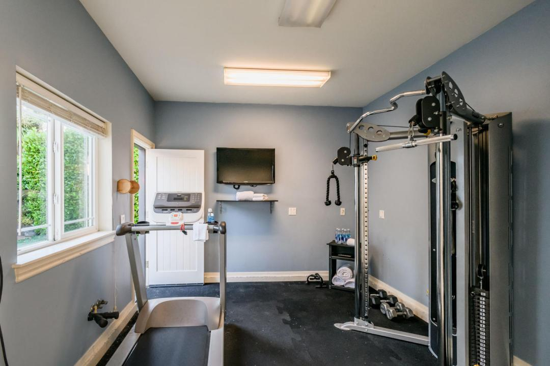 840 Newhall Rd Burlingame CA-large-043-15-Gym-1500x1000-72dpi