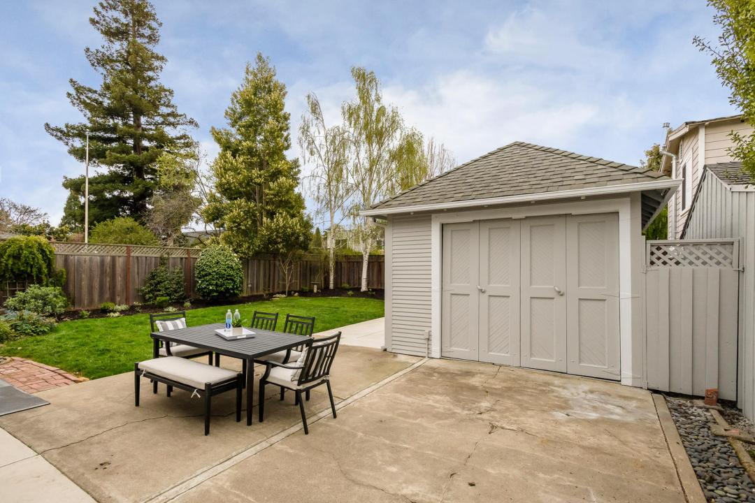 137 Stanley Rd Burlingame CA-large-021-022-137Stanley 0008-1500x1000-72dpi