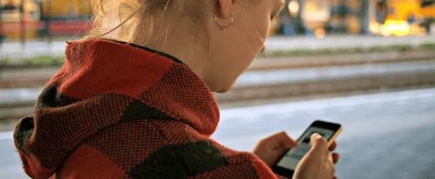 Social Media Addiction: 20 Strategies To Break It