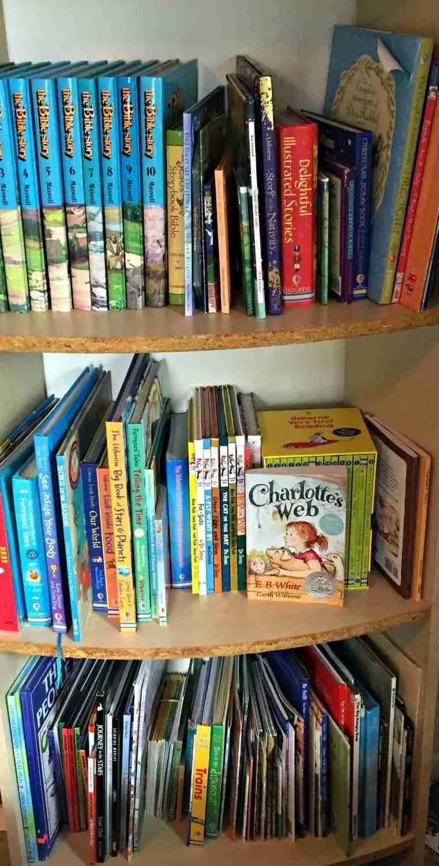Tidy Kids' Bookshelf After KonMari Decluttering Method