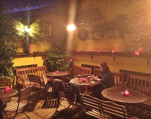 This idyllic little bit of beery paradise is in Central London! Divine!