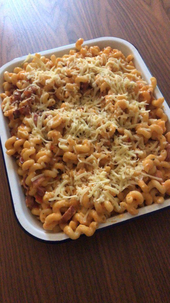 Best mac and cheese recipe with bacon, chorizo and Sriracha