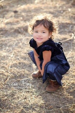 © Gina Burg | Winter Maternity Session
