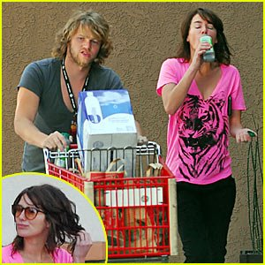 lena-headey-grocery-shopping