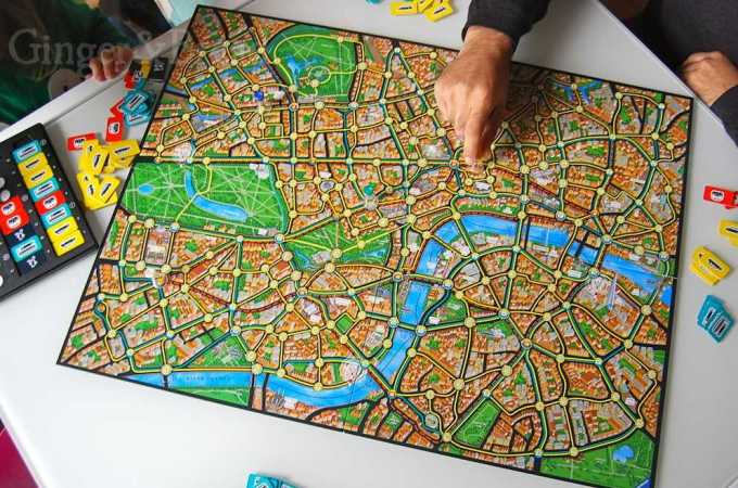 Perfect Presents for Families: Scotland Yard