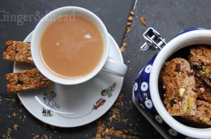 Flapjacks or Granola Bars – as close to healthy food as it gets, I suppose …