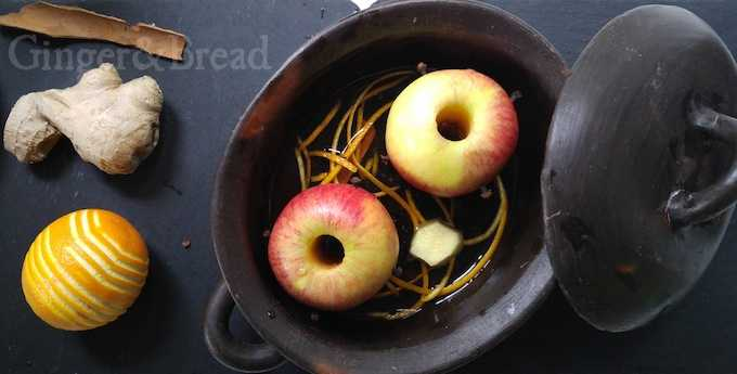 Steamed Apple Dessert in pot