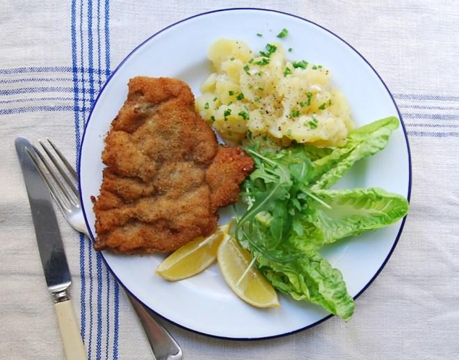 Wiener Schnitzel serve