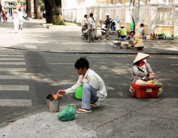 Bánh Tráng Nuong Street Vendor