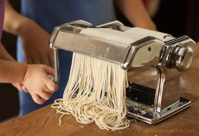 Cutting ramen dough into strands with Marcato Atlas 150 pasta machine