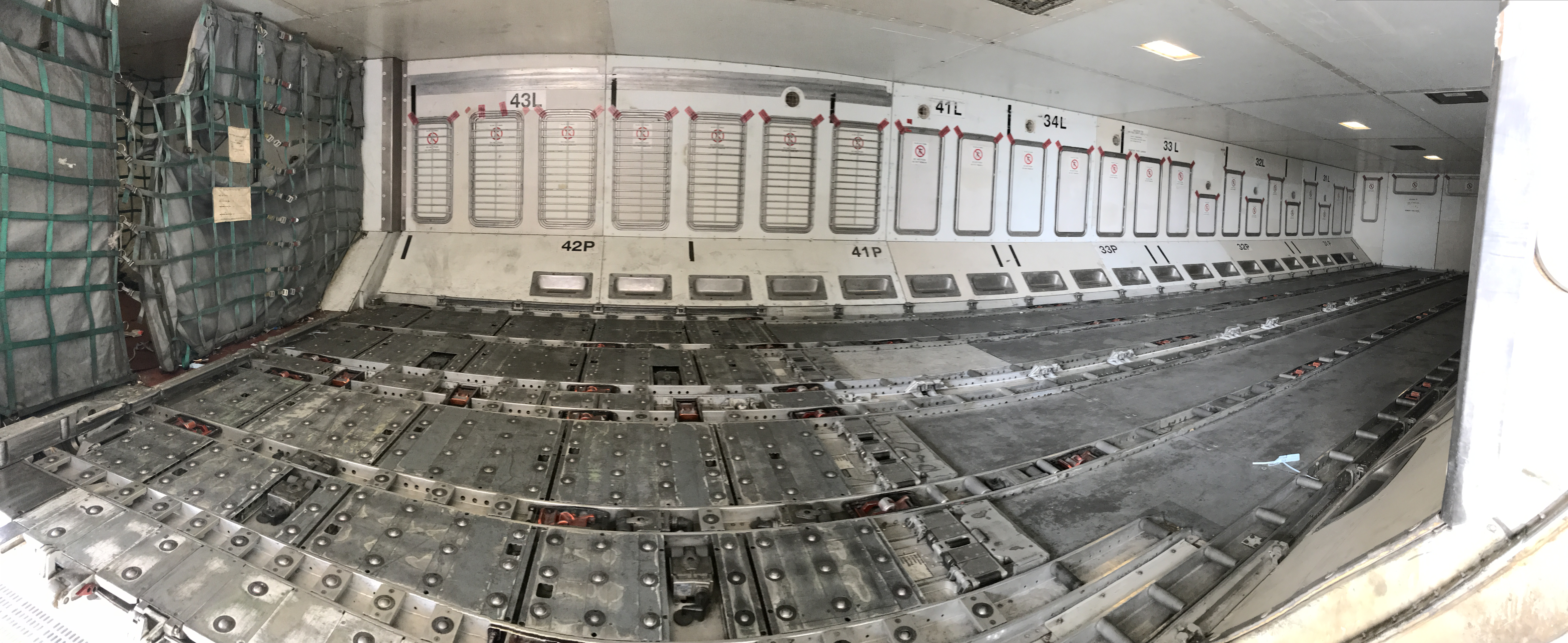 A330 cargo hold panorama