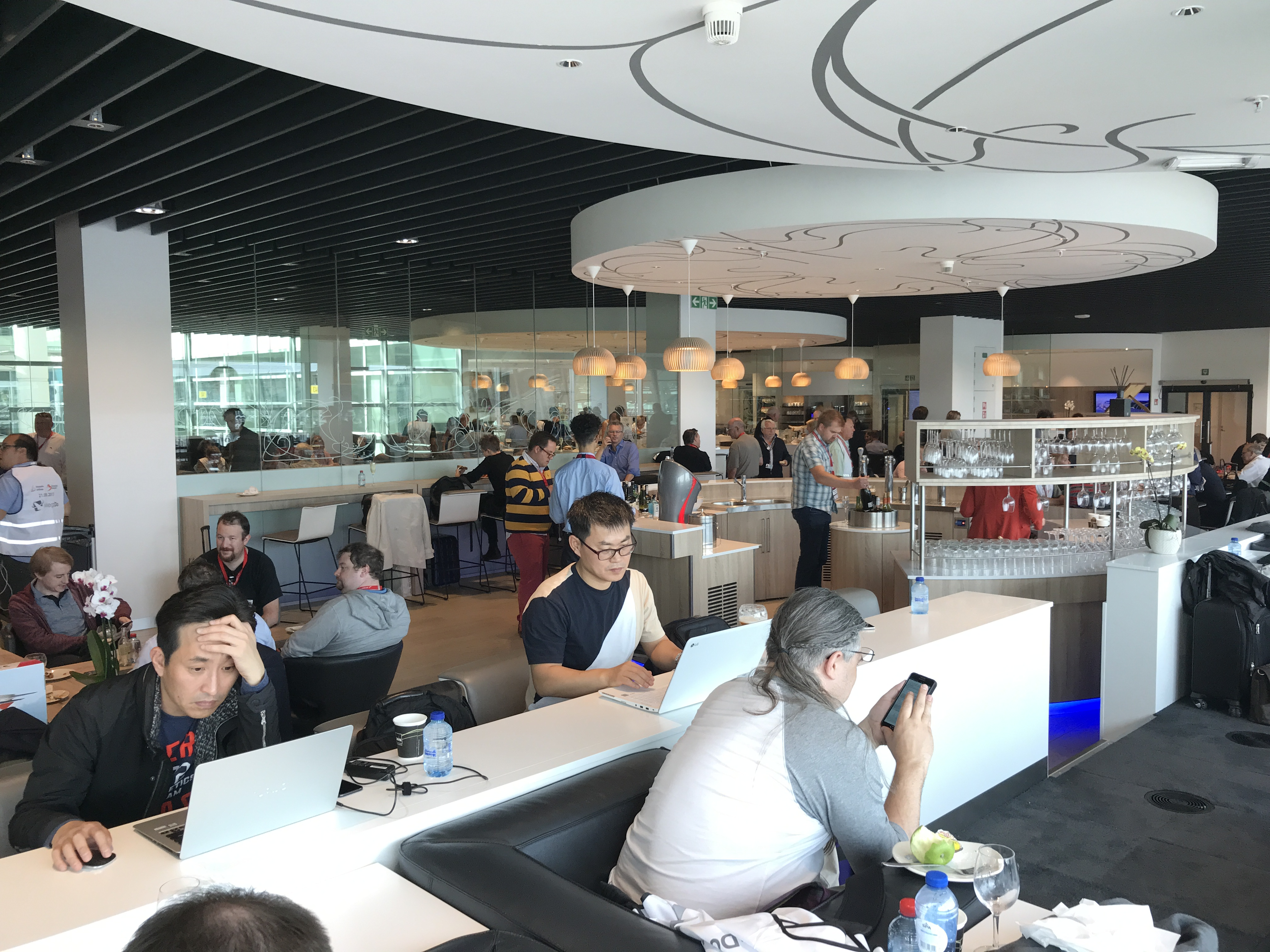 The loft business class lounge at Brussels