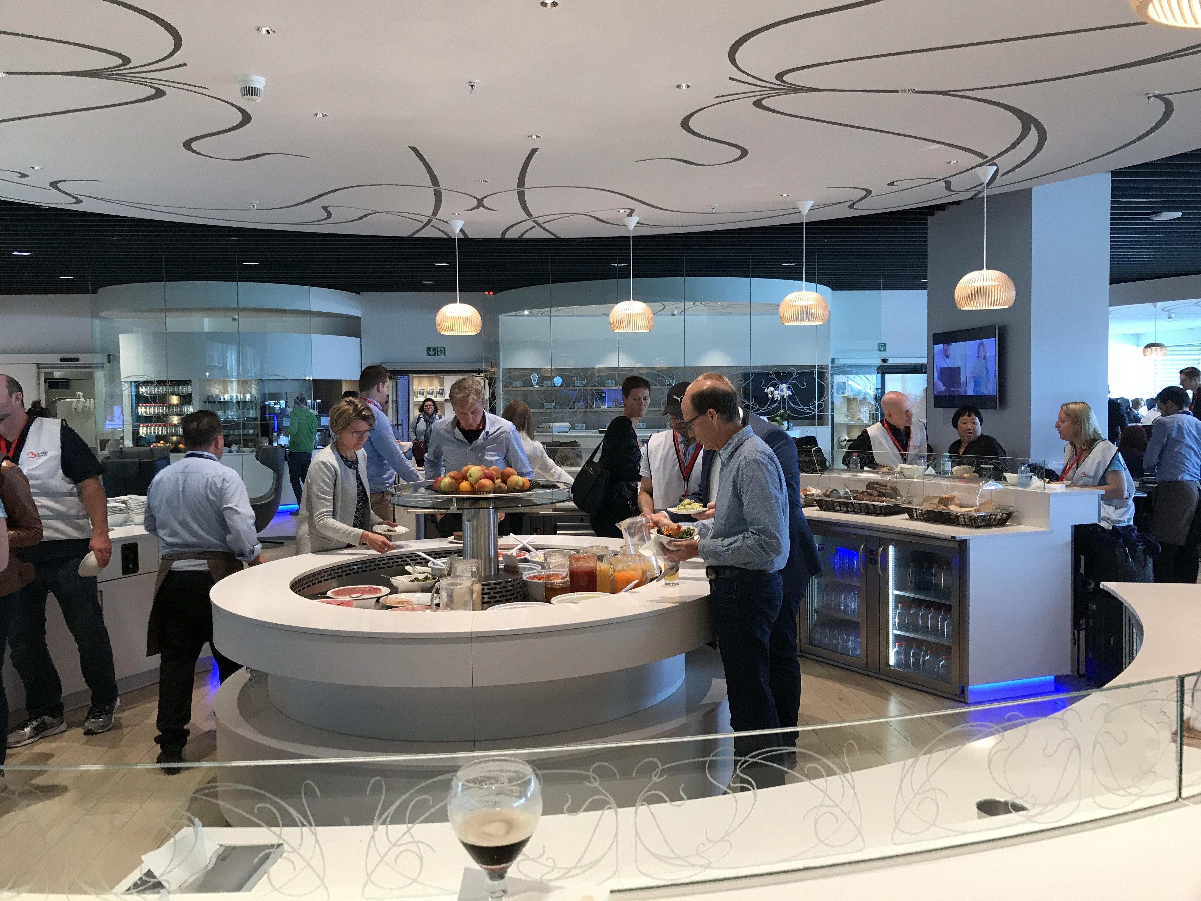 The salad bar at the loft business class lounge in Brussels airport
