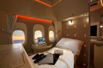 Emirates new B777 first class suite interior and virtual windows