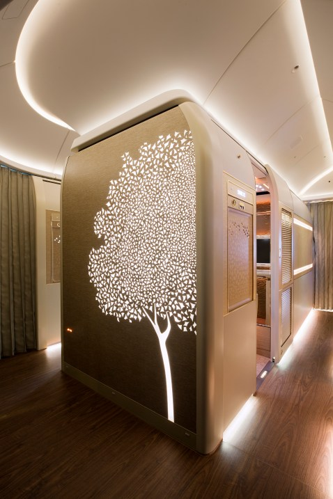 Emirates B777 new first class centre suite