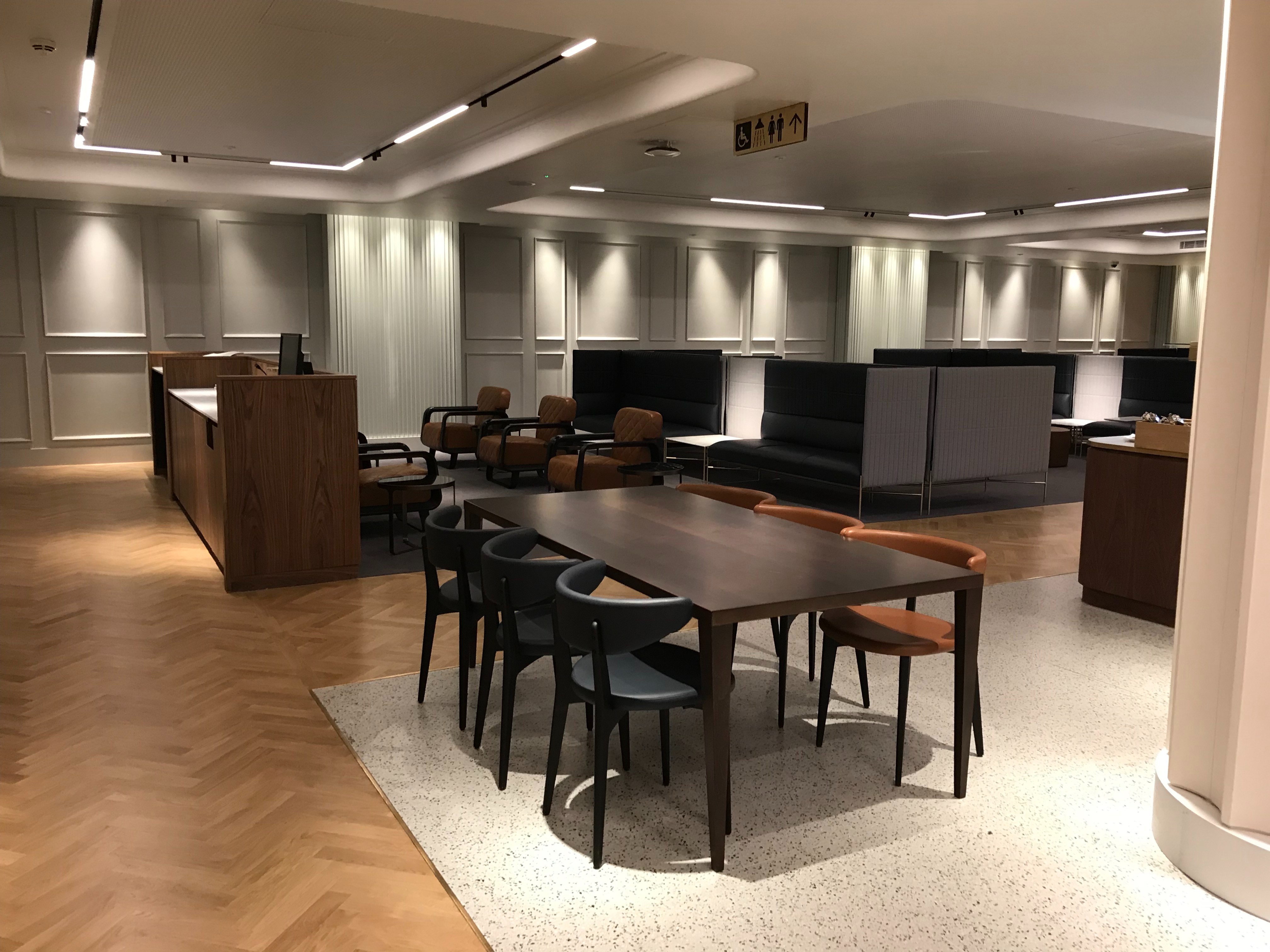 Qantas London Lounge tables and chairs
