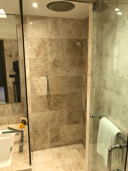 Conrad Singapore Shower