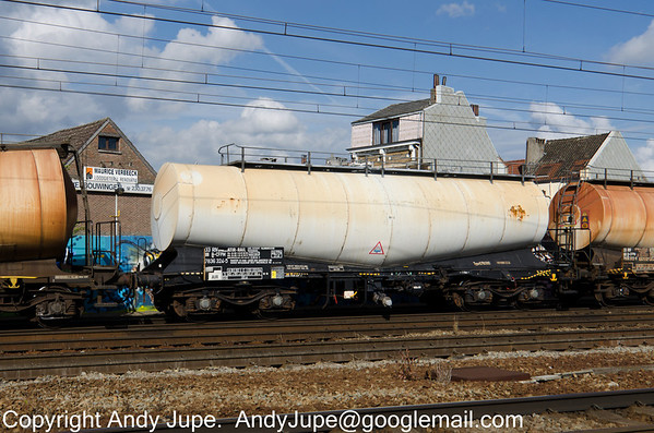 Belgium registered Zans 33 88 7836 324-5 passes through the station at Antwerp Berchum, Belgium on the 29th of July 2013