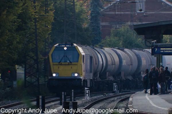 Voith Maxima 40 CC number 264 003-5 heads East through Fürth (Bay) station on the 8th of October 2013