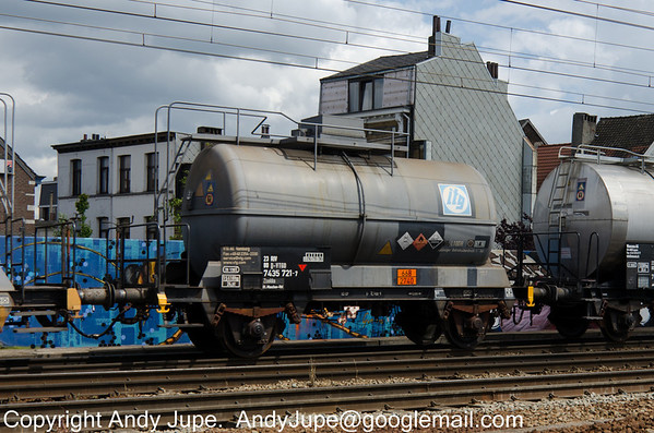 German registered Zcekks 23 80 7435 721-7 passes through Antwerp Berchum in Belgium whilst carrying UN Code 2740 (n-Propyl Chloroformate) on the 29th of July 2013