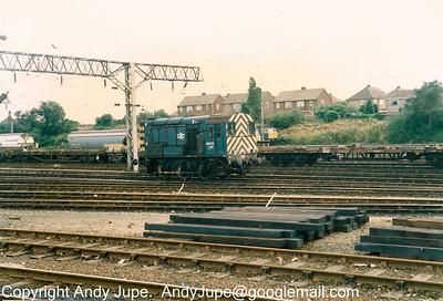 08 672 at work in Bescot Yard sometime around 1990-1991