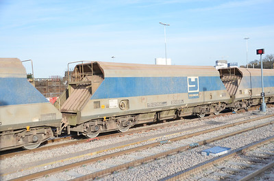 JHA OK 19360 at Acton Mainline on the 13th January 2012