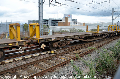 YKA DB996497 heading south through Rugby in the consist of 6A15 13:35 Bescot Engineer Sidings to Wembley Yard on the 20th April 2012
