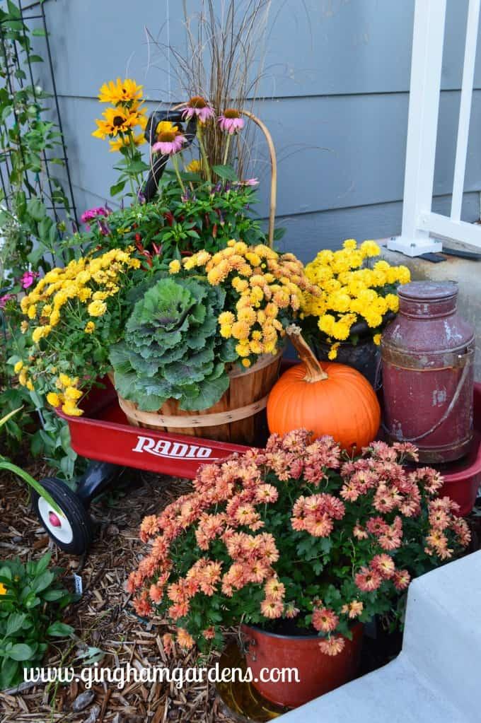 Fall Porch Decor featuring a radio wagon.