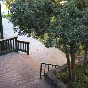 Courtyard entrance to the offices of Ginny Estupinian Ph.D. clinical psychologist