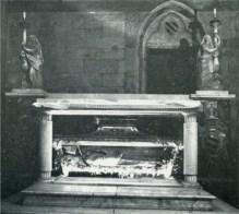 L'urna mortuaria di Gregorio X