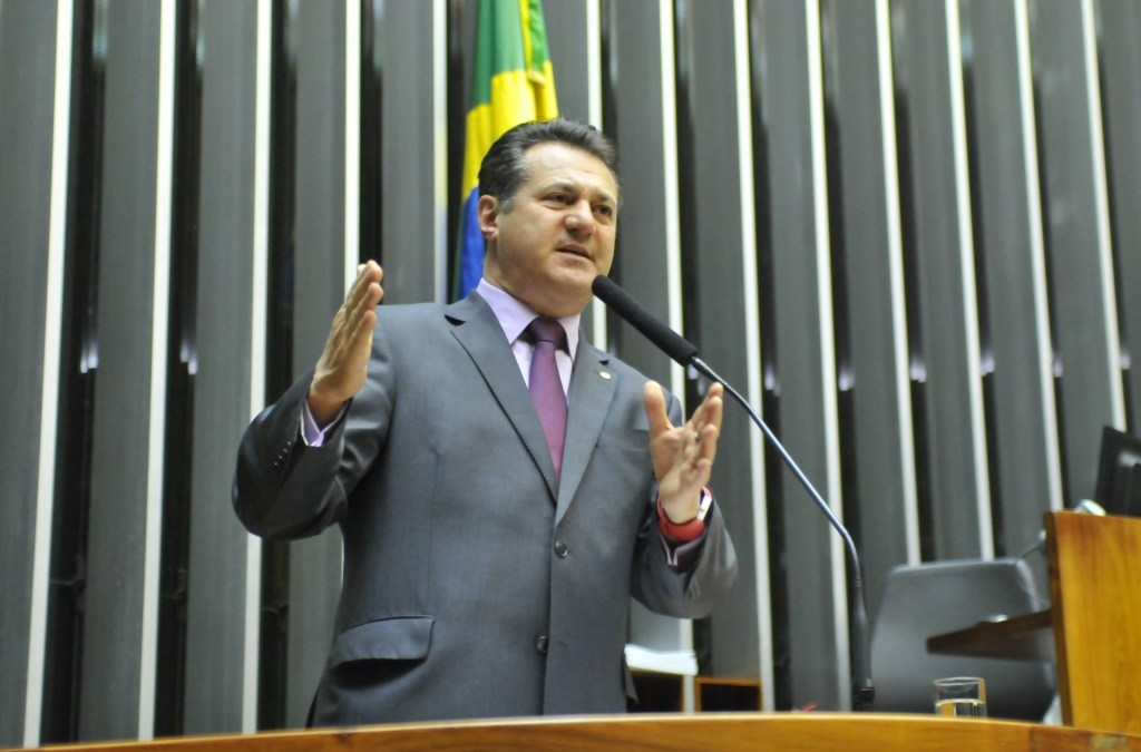 Gaúchos fazem esforço concentrado em Brasília para amenizar situação das cheias no RS