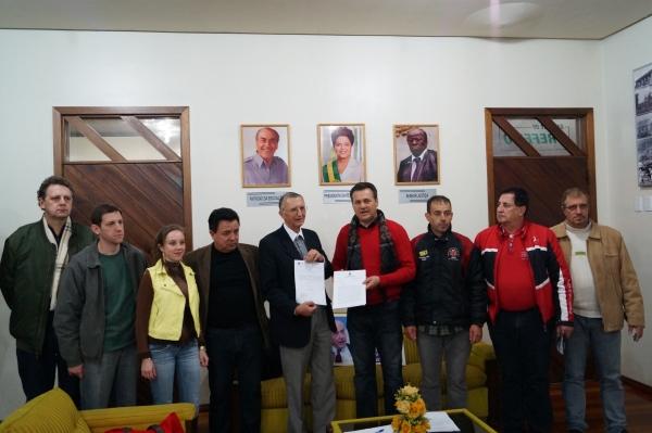 Giovani Cherini visita Carazinho e garante emenda parlamentar no valor de 250 mil reais para o município
