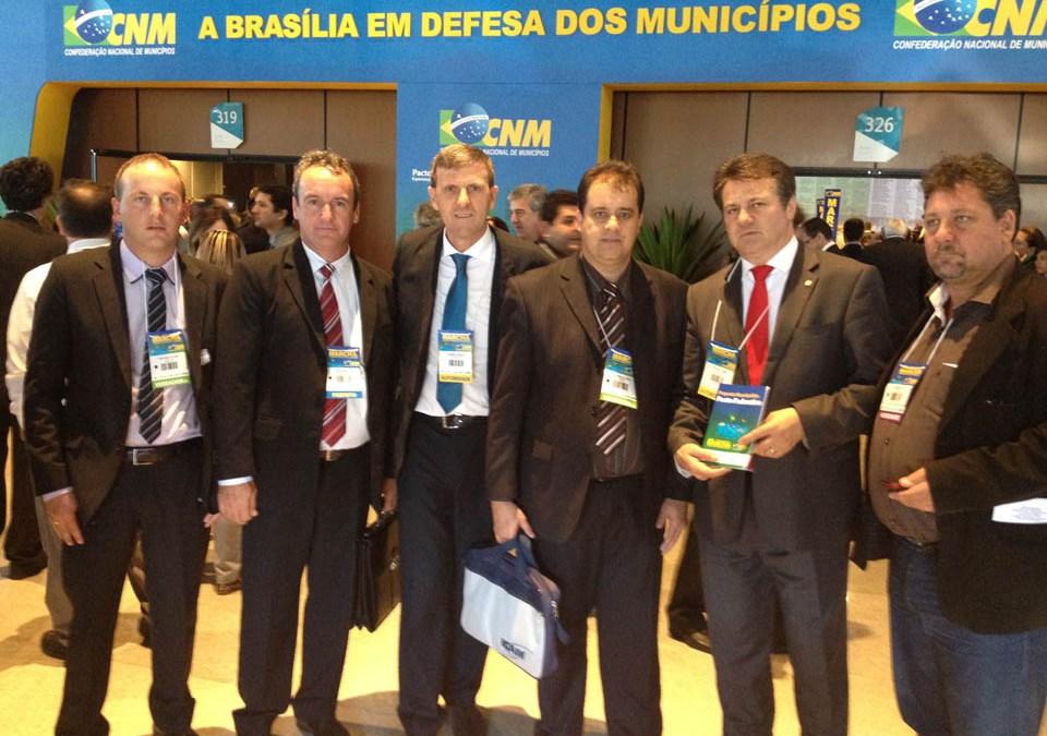 Giovani Cherini acompanha Marcha dos Prefeitos e recebe mais de cem municípios em seu gabinete