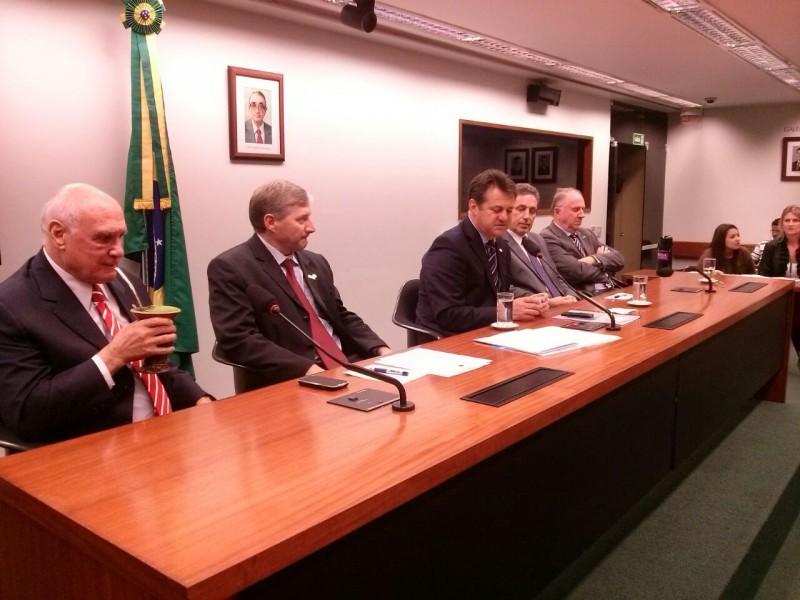 Saiu da mídia – Prefeito de Tapejara se reúne com Bancada Gaúcha no Congresso