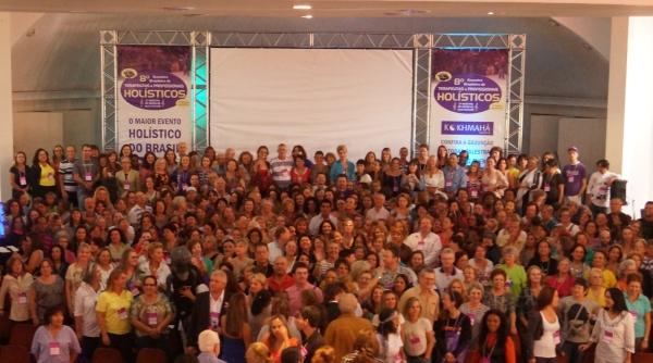 Segundo dia do 8º Encontro Brasileiro de Terapeutas e Profissionais Holísticos