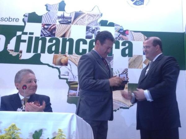 Giovani Cherini participa do lançamento da moeda alusiva ao Ano Internacional das Cooperativas