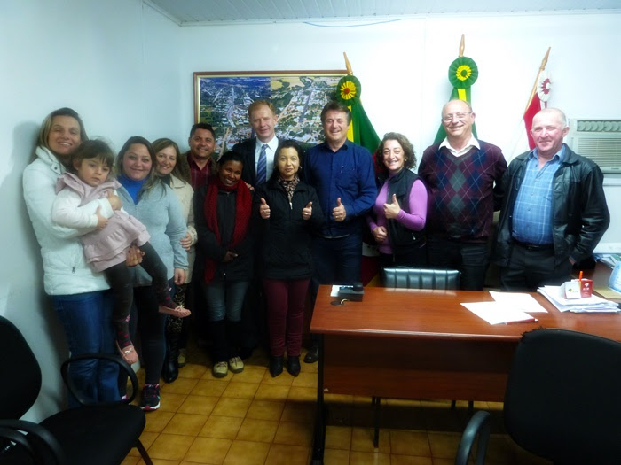 Cherini visita Ibirapuitã e é recebido no gabinete do Prefeito
