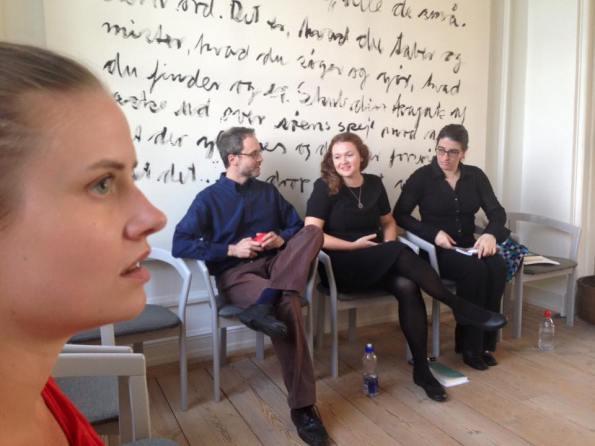 In attesa del reading, da sx, Katrine Louise Nielsen, io, Karen Jennings e Victoria Cáceres (foto di Marianne Joergensen)