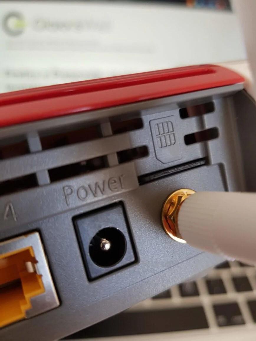 AVM FRITZ!Box 6890 LTE: quel 7590 col tocco in più 11