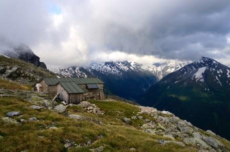 Die Mindener Hütte und die in Wolken gehüllte Hochalmspitze © Gipfelfieber.com