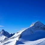 Der Olperer trohnt stolz über dem Gletscher © Gipfelfieber.com