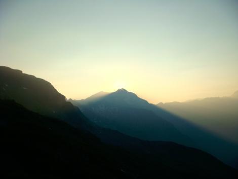 Sonnenaufgang über dem Ankogel © Gipfelfieber.com