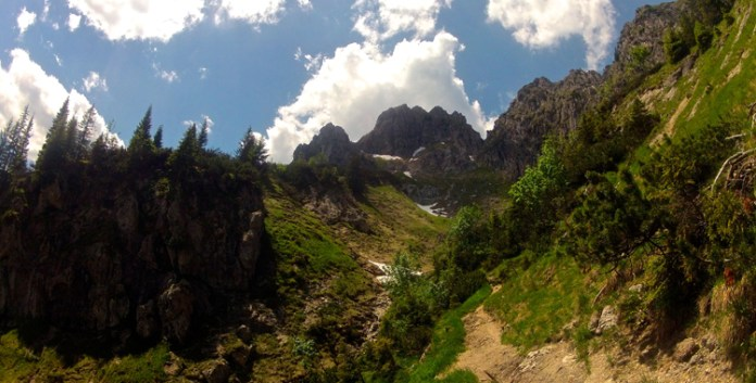Die Große Klammspitze über dem Graswangtal