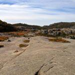 Der Weg führt über Granitplatten © Gipfelfieber.com