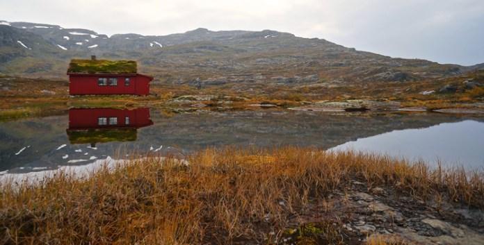 Wandern in Norwegen: Vom Langfoss-Wasserfall zur Simlebu-Hütte