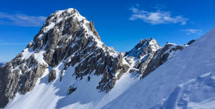Skitouren rund um die Coburger Hütte: Pulverglück im Schwärzkar ©Gipfelfieber