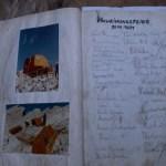 Zeitreise im Hüttenbuch ©Gipfelfieber