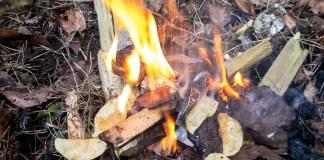 Outdoor Lifehack: Einfache und selbstgemachte Feuer-Anzünder ©Gipfelfieber
